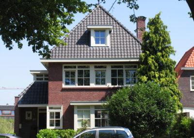 Jaren-dertig woning aan de singel in Enschede