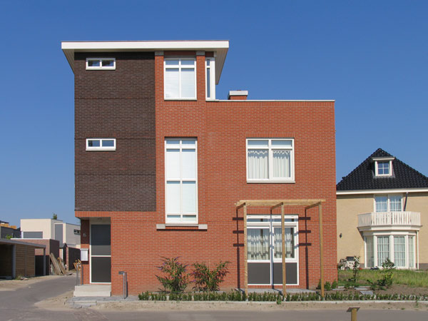 Moderne woning uitgevoerd in baksteen in Enschede